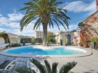 4 bedroom Villa in Sanary-sur-Mer, Provence-Alpes-Cote d'Azur, France : ref 5539