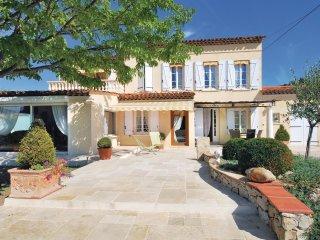 2 bedroom Villa in Draguignan, Provence-Alpes-Cote d'Azur, France : ref 5539125
