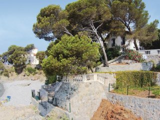 5 bedroom Villa in Drammont, Provence-Alpes-Côte d'Azur, France : ref 5539111