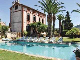 7 bedroom Villa in Notre-Dame des Maures, Provence-Alpes-Côte d'Azur, France : r
