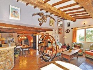 4 bedroom Villa in Saint-Cézaire-sur-Siagne, Provence-Alpes-Côte d'Azur, France