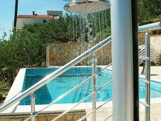 6 bedroom Villa in Fistanici, Splitsko-Dalmatinska Zupanija, Croatia : ref 55378