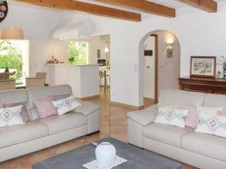 4 bedroom Villa in Montboucher-sur-Jabron, Auvergne-Rhône-Alpes, France : ref 55