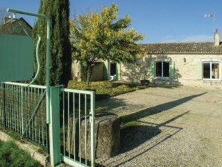 5 bedroom Villa in Saint-Méard-de-Gurçon, Nouvelle-Aquitaine, France : ref 55375