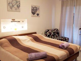 7 bedroom Villa in Selca, Splitsko-Dalmatinska Županija, Croatia : ref 5537212