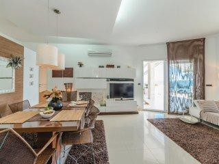 4 bedroom Villa in Ugrinici, Zadarska Zupanija, Croatia : ref 5537107