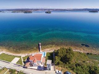 4 bedroom Villa in Ugrinići, Zadarska Županija, Croatia : ref 5537107
