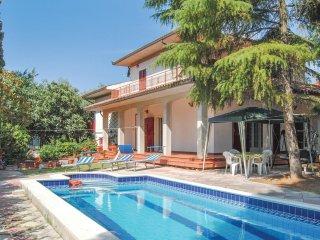 3 bedroom Villa in Castiglione del Lago, Umbria, Italy : ref 5536582