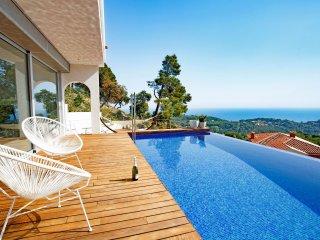 3 bedroom Villa in Lloret de Mar, Catalonia, Spain : ref 5536469