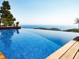 3 bedroom Villa in Lloret de Mar, Catalonia, Spain : ref 5536469