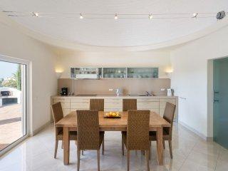 4 bedroom Villa in Alporchinhos, Faro, Portugal : ref 5536444