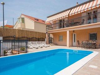 5 bedroom Villa in Sibenik, Sibensko-Kninska Zupanija, Croatia : ref 5536179