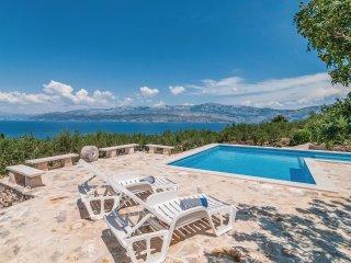 2 bedroom Villa in Postira, Splitsko-Dalmatinska Zupanija, Croatia : ref 5536127