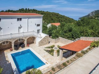 6 bedroom Villa in Kremena, Dubrovačko-Neretvanska Županija, Croatia : ref 55360