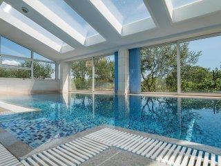 5 bedroom Villa in Dugobabe, Splitsko-Dalmatinska Zupanija, Croatia : ref 553600