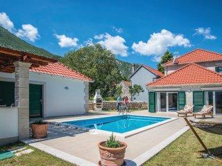 3 bedroom Villa in Župa, Splitsko-Dalmatinska Županija, Croatia : ref 5535973