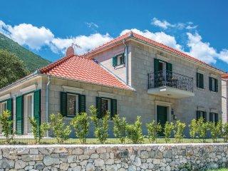 3 bedroom Villa in Zupa, Splitsko-Dalmatinska Zupanija, Croatia : ref 5535973