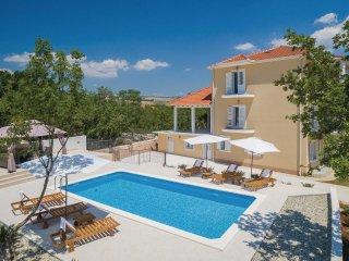 3 bedroom Villa in Dugopolje, Splitsko-Dalmatinska Županija, Croatia : ref 55359