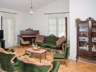 4 bedroom Villa in Šušnjari, Splitsko-Dalmatinska Županija, Croatia : ref 553596