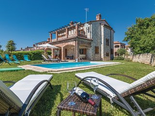4 bedroom Villa in Čabrunići, Istria, Croatia : ref 5535674