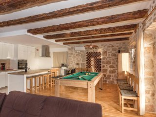9 bedroom Villa in Kaprije, Šibensko-Kninska Županija, Croatia : ref 5535665