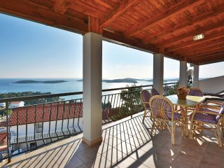 3 bedroom Apartment in Hvar, Splitsko-Dalmatinska Županija, Croatia : ref 553566