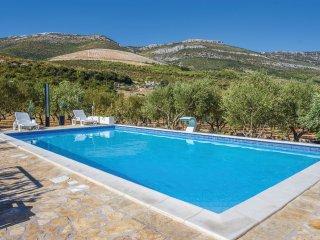 5 bedroom Villa in Plano, Splitsko-Dalmatinska Zupanija, Croatia - 5535658