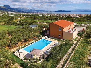 5 bedroom Villa in Novi Stafilic, Splitsko-Dalmatinska Zupanija, Croatia : ref 5