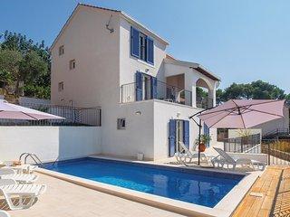 4 bedroom Villa in Milna, Splitsko-Dalmatinska Županija, Croatia : ref 5535653