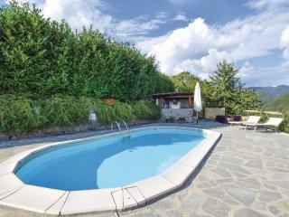 3 bedroom Villa in Castiglione di Garfagnana, Tuscany, Italy : ref 5535636