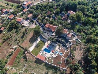 7 bedroom Villa in Brkići, Splitsko-Dalmatinska Županija, Croatia : ref 5535608