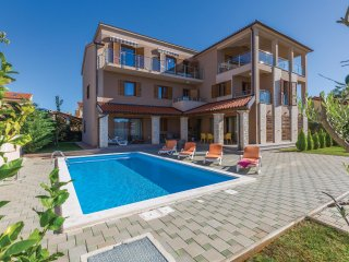 11 bedroom Villa in Banjole, Istria, Croatia : ref 5535591