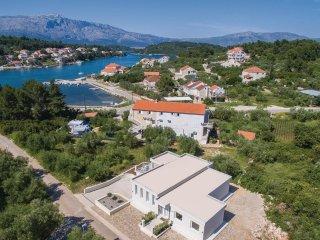 2 bedroom Villa in Lumbarda, Dubrovacko-Neretvanska Zupanija, Croatia : ref 5535
