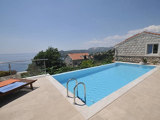 4 bedroom Apartment in Zavrelje, Dubrovacko-Neretvanska Zupanija, Croatia : ref