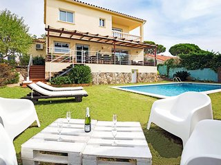 6 bedroom Villa in Lloret de Mar, Catalonia, Spain : ref 5535421