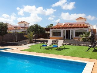 4 bedroom Villa in Urbanización Fuerteventura Golf Club, Canary Islands, Spain :