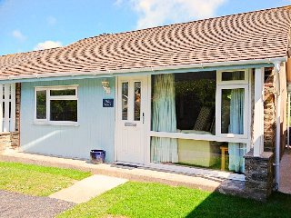 Tides Reach - Lovely  2 bedroom beach cottage only 50 meters from the beach