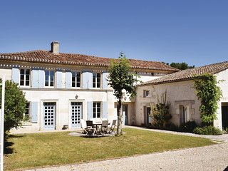 4 bedroom Villa in Champmillon, Nouvelle-Aquitaine, France : ref 5534388