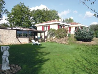 3 bedroom Villa in Le Champ-Saint-Père, Pays de la Loire, France : ref 5534351