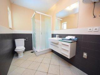4 bedroom Villa in Kutleša, Splitsko-Dalmatinska Županija, Croatia : ref 5533534
