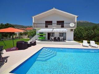 2 bedroom Villa in Stari Stafilic, Splitsko-Dalmatinska Zupanija, Croatia : ref