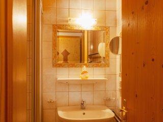 2 bedroom Apartment in Ebne, Tyrol, Austria : ref 5533437