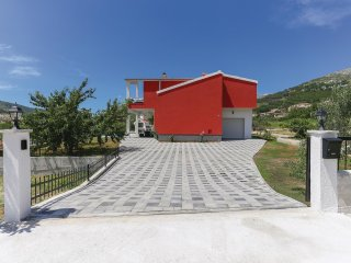 3 bedroom Villa in Srinjine, Splitsko-Dalmatinska Zupanija, Croatia : ref 553341