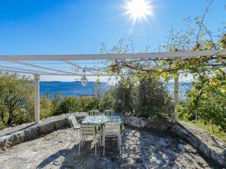 2 bedroom Apartment in Soline, Dubrovacko-Neretvanska Zupanija, Croatia : ref 55