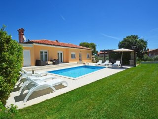 4 bedroom Villa in Štinjan, Istria, Croatia : ref 5533283