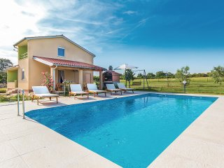2 bedroom Villa in Šišan, Istria, Croatia : ref 5533179