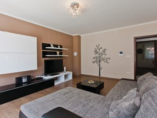4 bedroom Villa in Vinkuran, Istria, Croatia : ref 5533160
