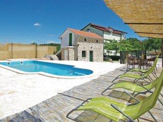4 bedroom Villa in Karini, Splitsko-Dalmatinska Zupanija, Croatia : ref 5533155