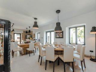 9 bedroom Villa in Tkon, Zadarska Zupanija, Croatia : ref 5533126