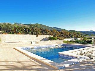 4 bedroom Villa in Plano, Splitsko-Dalmatinska Zupanija, Croatia : ref 5533040